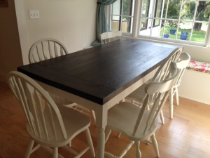 DiningRoomTable2